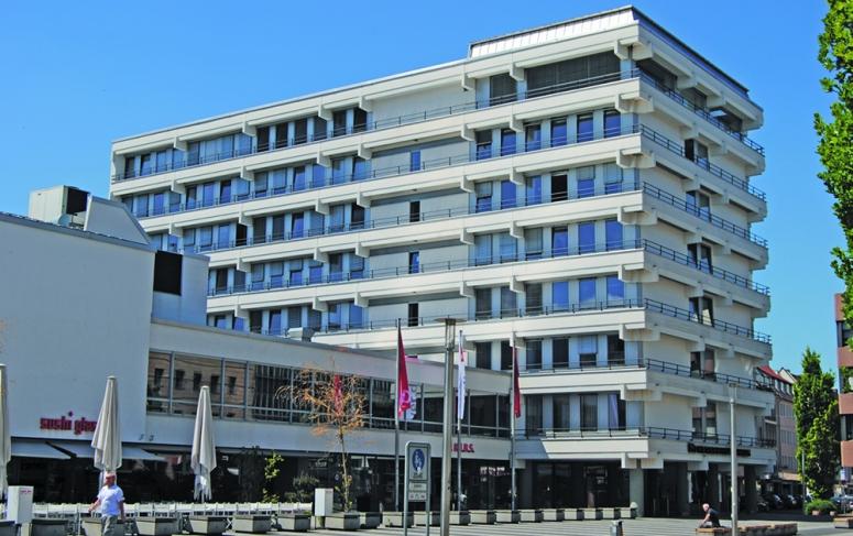 Das Gewerkschaftshaus am Nürnberger Kornmarkt nach der Beton-Instandsetzung.