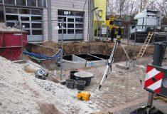 Einbau eines Wasseraufbereitungsbauwerks.