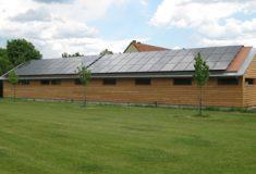 2011 wurde die Caddyhalle auf dem Golfplatz Abenberg neu errichtet.